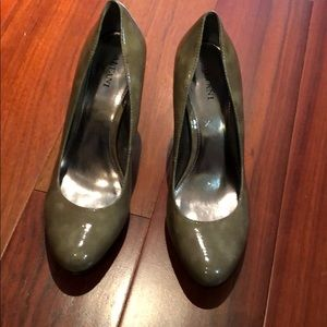 Grey Alfani heels size 7
